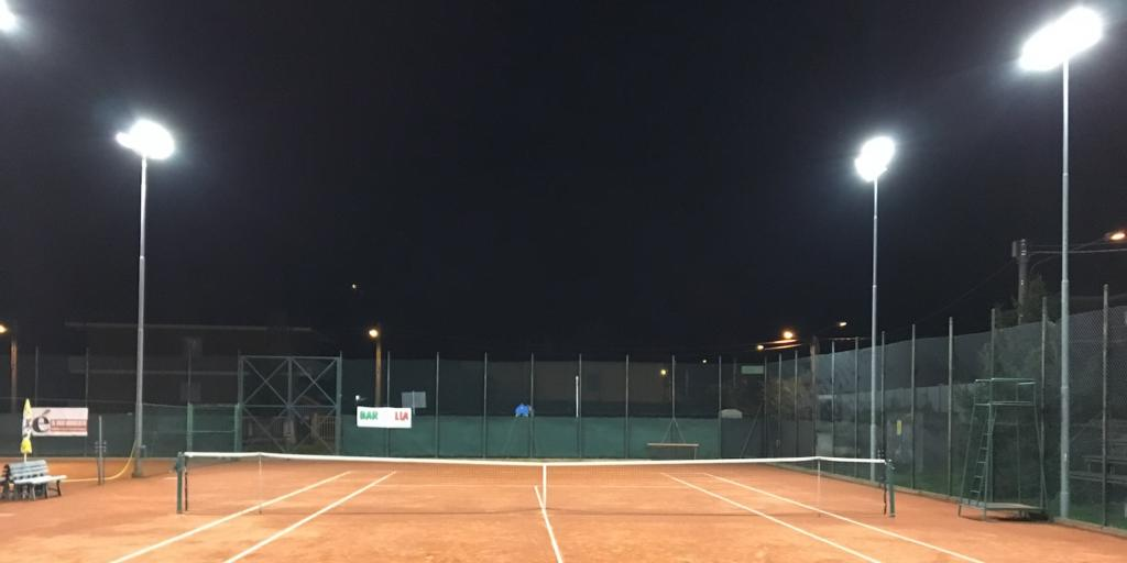 relamping campo da tennis